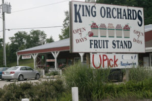 road view of the king orchards US 31 market